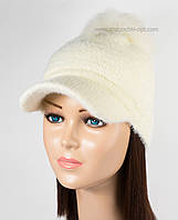 Женская теплая кепка Помпон молочная