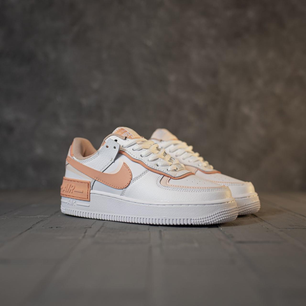 Кроссовки женские Nike Air Force 1 в стиле Найк Форсы Белые/Оранжевые (Реплика ААА+)