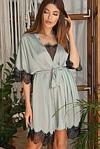 Оливковый женский халат с кружевом Илина из шелка армани до колен