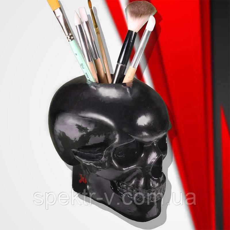 Чёрный гипсовый череп с отверстием. Органайзер для кистей визажиста или элемент декора