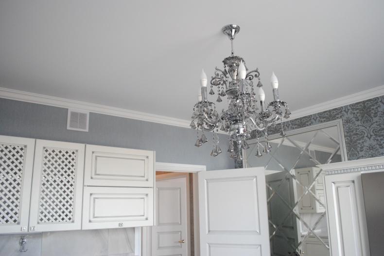 Матовый натяжной потолок на кухне, фото 1