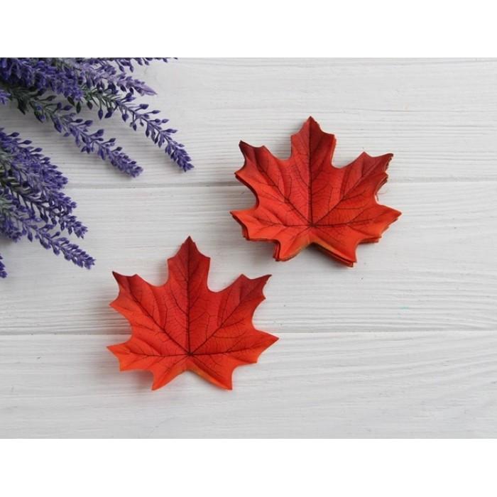 Листья клена маленькие  , оранжево  -красные      50 шт