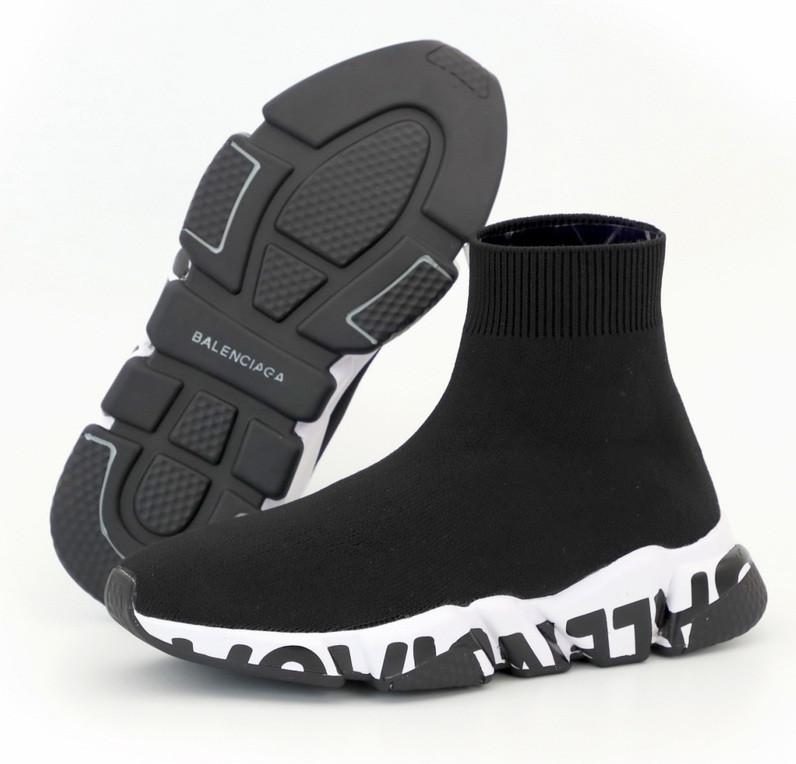 Женские кроссовки Balenciaga Speed Trainer Graffiti Sock черные с белым осень-весна. Живое фото (Реплика ААА+)