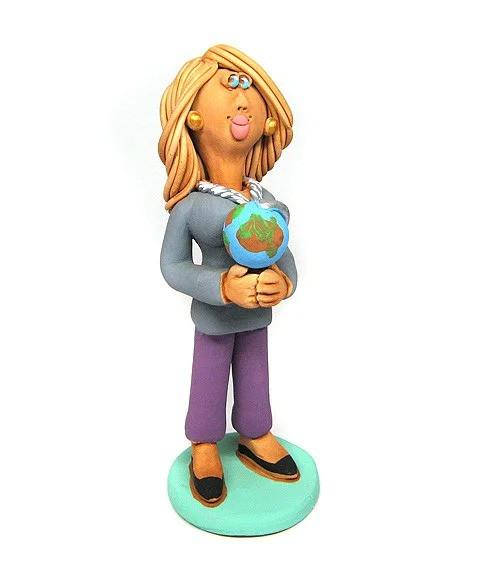 Статуэтка Учительница с глобусом керамика