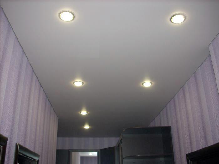 Матовый натяжной потолок в прихожей , фото 1
