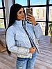 Женская короткая светоотражающая куртка с принтом паутинка и воротником стойка 66KU449Е