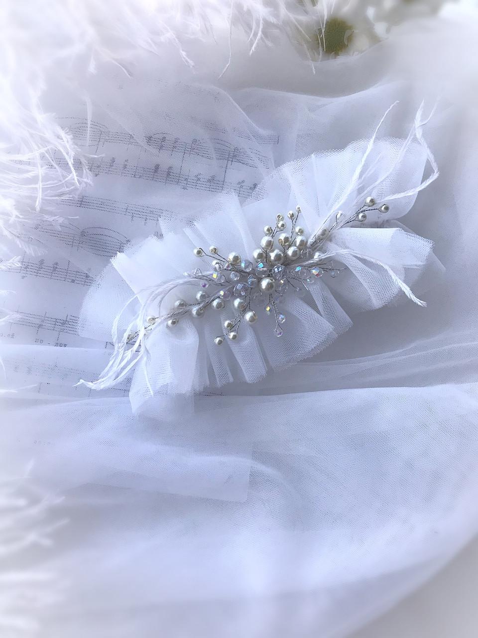 Подвязка на ножку невесты молочного цвета