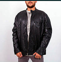 Мужская кожаная куртка от фирмы ASOS Выполнена из натуральной кожи, стильная, надежная