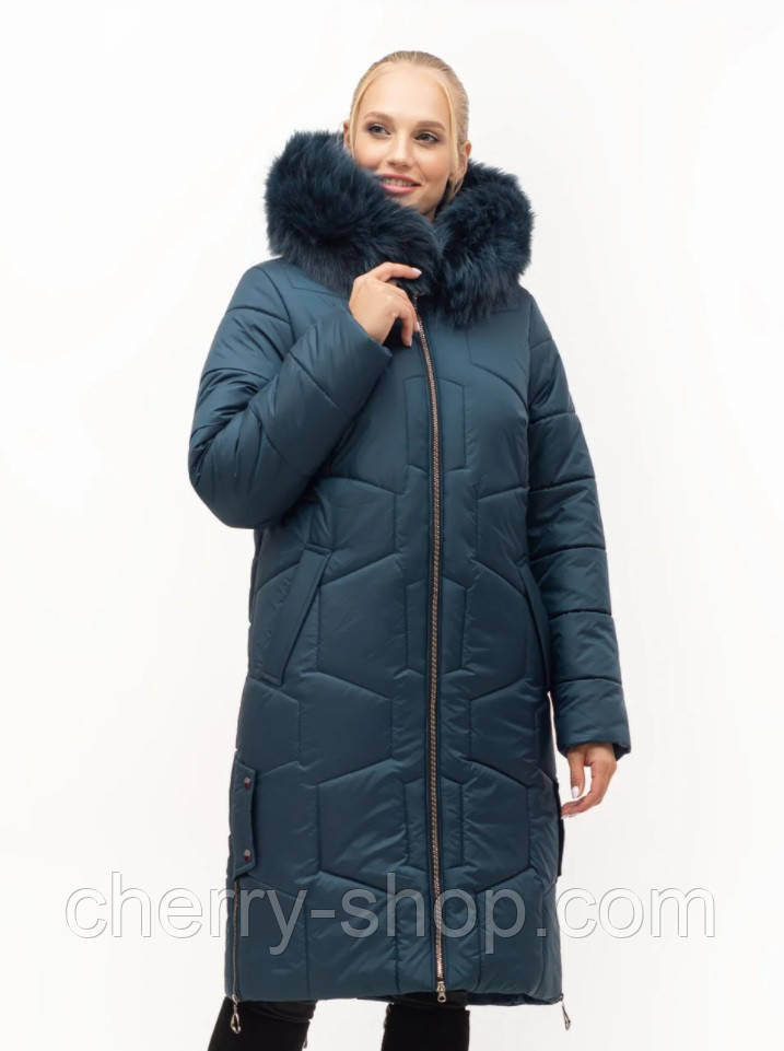 Красивый теплый женский зимний пуховик цвета малахит