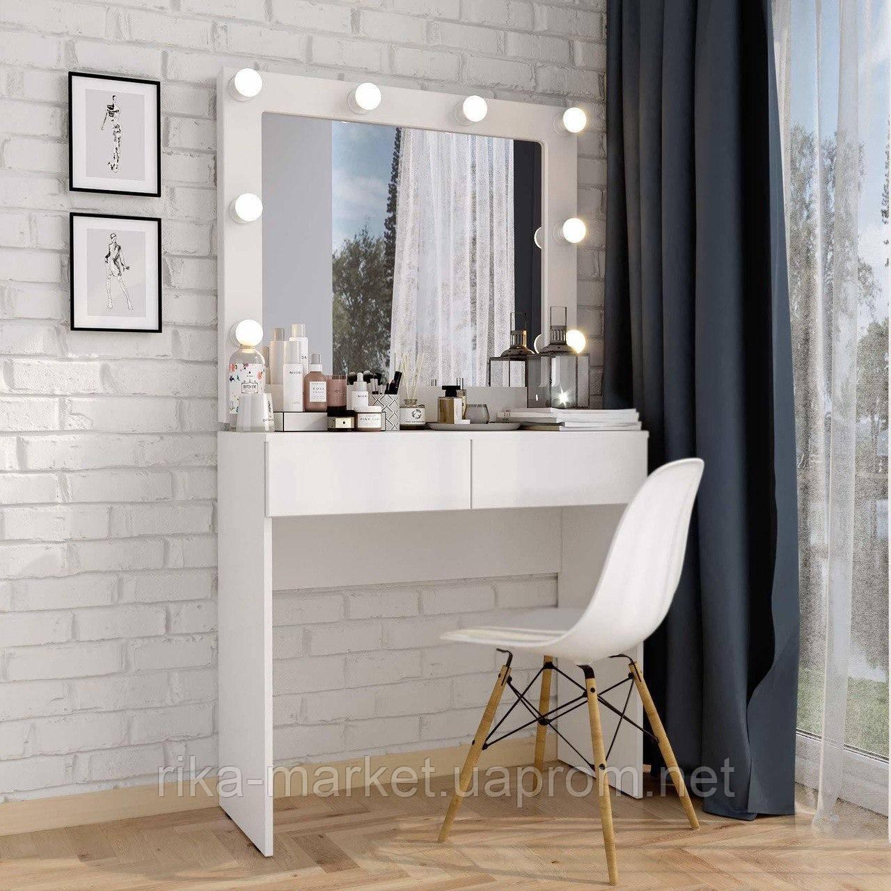 Стол для визажа 100*100 см,столик для спальни