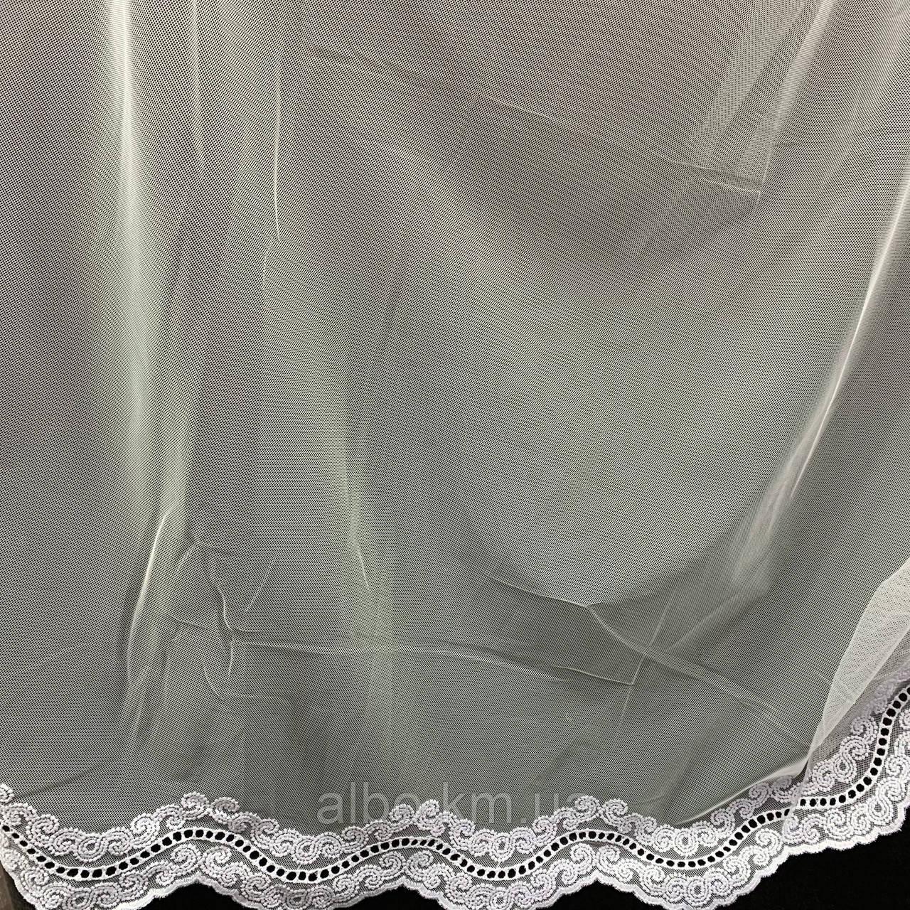 Элегантный белый тюль из фатина с декоративной вышивкой внизу на метраж, высота 3 м