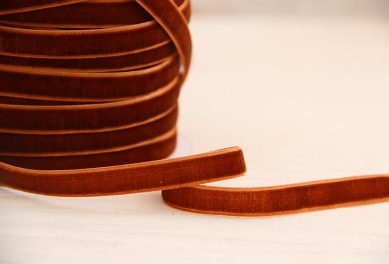 """Лента бархатная """" 1,0 см """"   светло -коричневая                         рулон 45 метров"""
