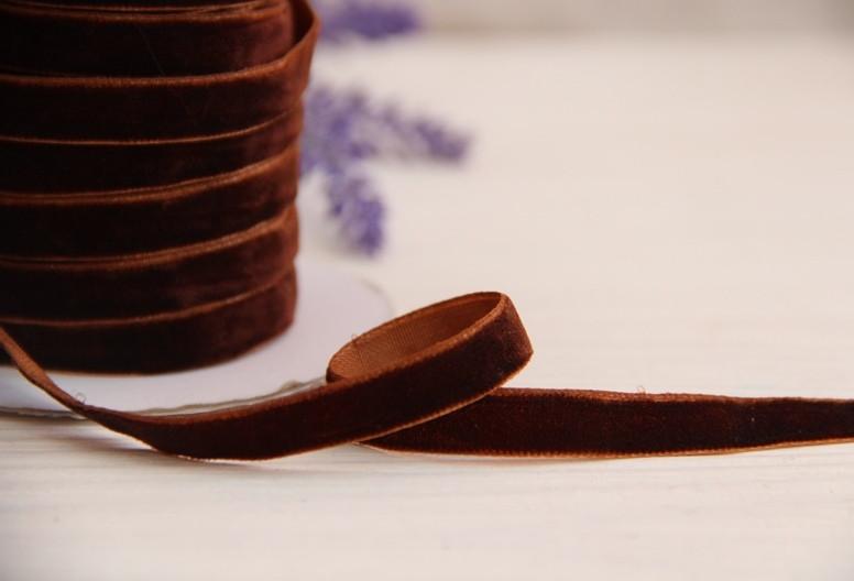 """Лента бархатная """" 1,0 см """"   коричневая                         рулон 45 метров"""