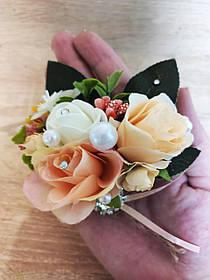 Бутоньєрка з троянд Flowers. Колір персик.