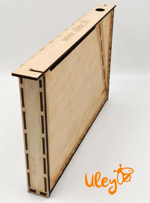 Кормушка деревянная, рамочная на 3 литра