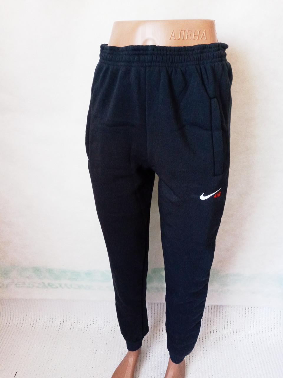 Спортивные штаны мужские на флисе манжет р.46.Цвет чёрный.