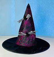 Шляпа колпак Ведьмочки фиолетовый с полосатыми пауками на Хэллоуин