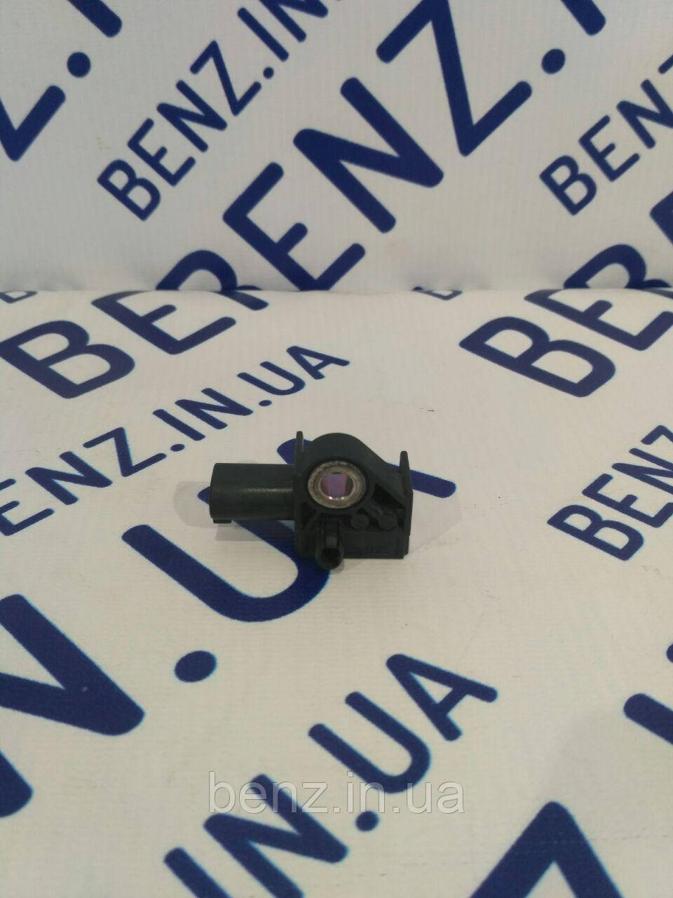 Датчик удара подушек безопасности спереди Mercedes W212/W204/C207/X204 A1729056000