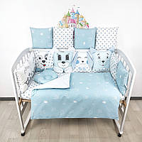 Комплект бортиков и постельного в кроватку с игрушками и коронами в нежно-голубых тонах, фото 1