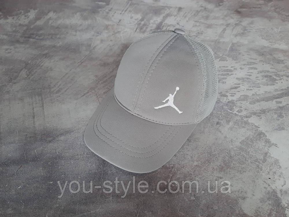 Серая кепка Jordan (Джордан)