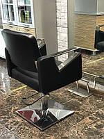 Парикмахерское кресло Tomas с подставкой для ног, фото 1