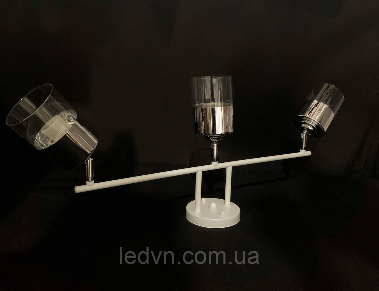 Потолочная люстра белая на 3 лампы с поворотными плафонами