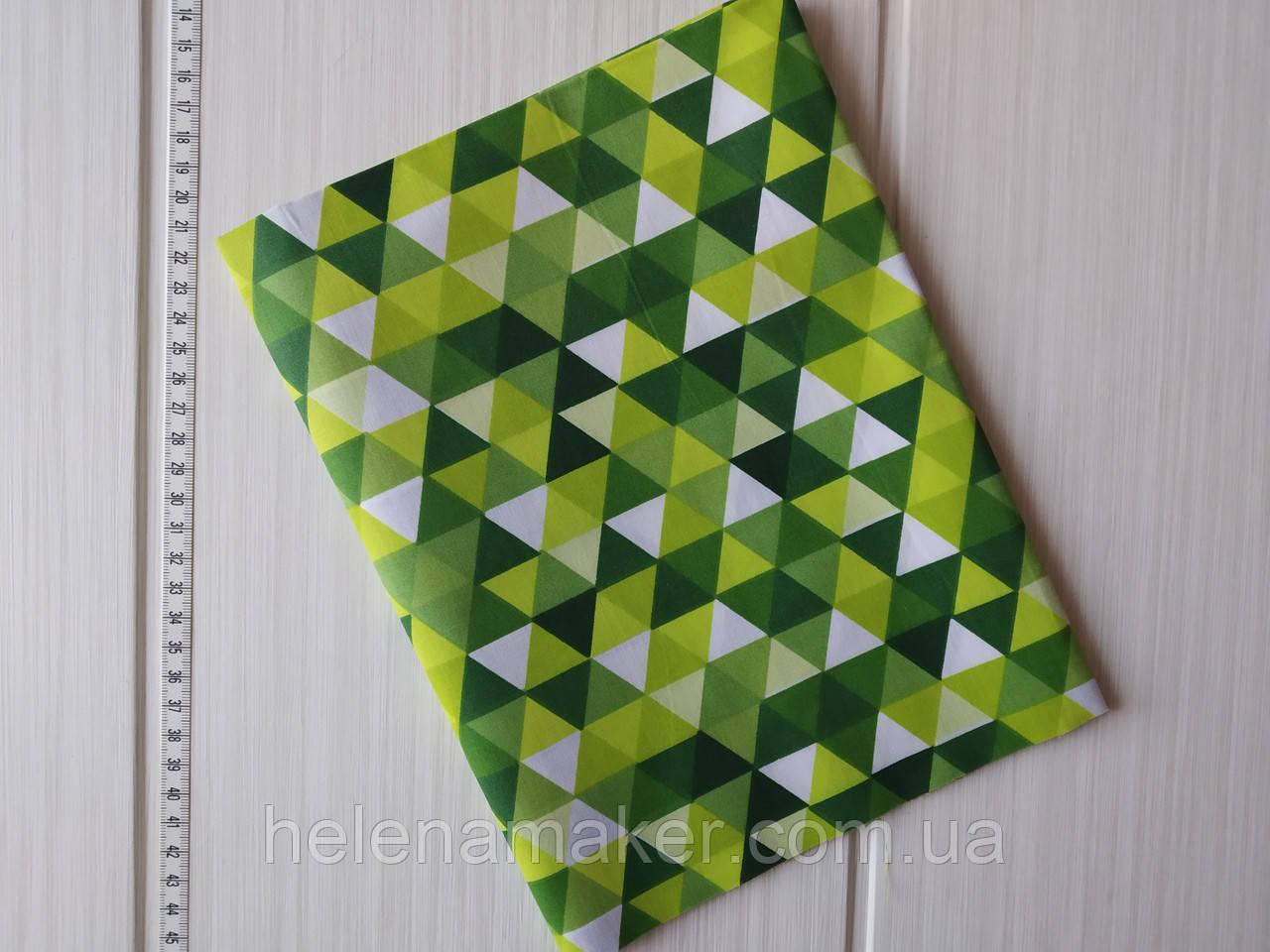 Отрез бязи Зеленые треугольники. Размер 50*50 см