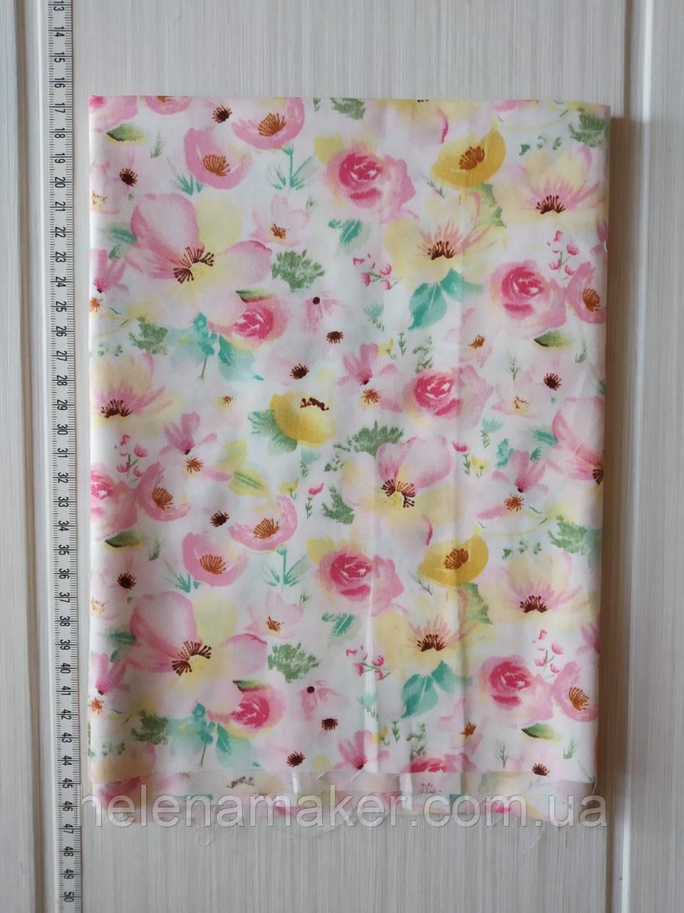 Акварельные розовые цветы. Отрез сатина 40*50 см.
