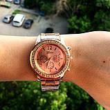 Стильные и модные женские наручные часы Geneva на руку с камнями сваровски золотистые Розовый, фото 4
