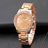 Стильные и модные женские наручные часы Geneva на руку с камнями сваровски золотистые Розовый, фото 5