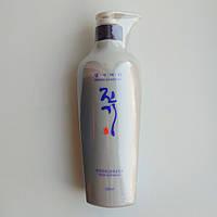 Восстанавливающий кондиционер - лечение для волос Daeng Gi Meo Ri Vitalizing Treatment 500мл