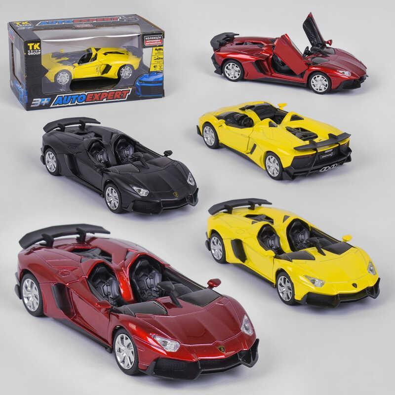 """Машинка 15001 (72) """"AutoExpert"""" , 3 вида, инерция, свет, звук, открываются двери, в коробке"""