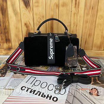 Женская замшевая сумка через и на плечо с брелком Supreme Polina & Eiterou