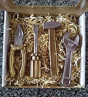 Шоколадні інструменти ручної роботи. Шоколадні подарунки