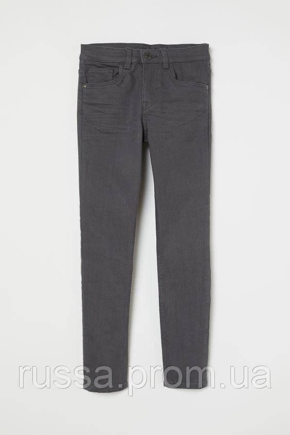 Модные стрейчевые и зауженные джинсы для мальчика