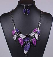 Фіолетовий набір біжутерії - кольє і сережки у стразах листя, фото 1