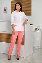 Жіночий медичний костюм Avrora біло-рожевий, фото 3