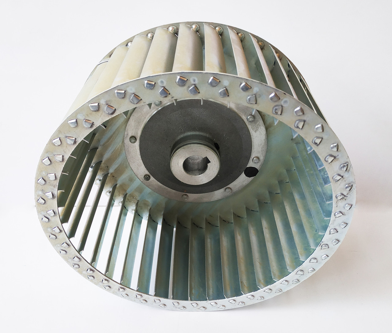 Рабочее колесо воздушного центробежного вентилятора 250х115. Крыльчатка для центробежного вентилятора