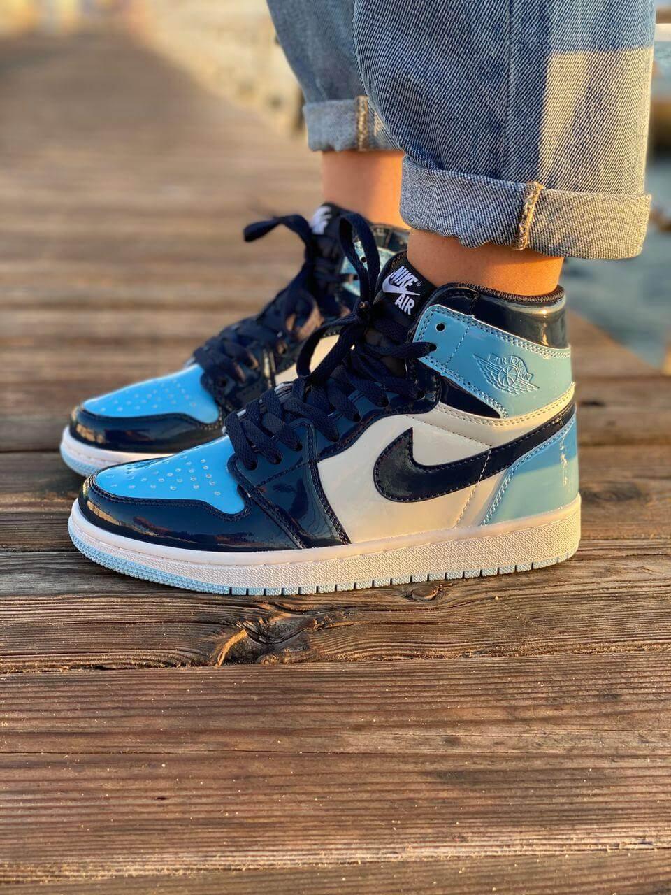 Жіночі баскетбольні кросівки Nike Air Jordan 1 Retro Patent Blue (Високі кросівки Найк Аїр Джордан 36-40)