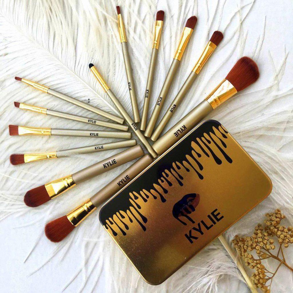 Профессиональный набор кистей для макияжа Kylie Jenner Make-up brush Gold set (в наборе  12 шт)