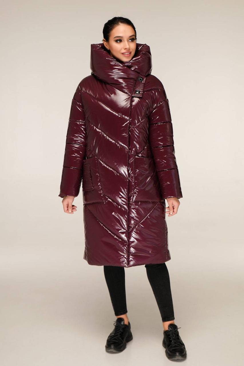 Удлиненная зимняя куртка из лаковой плащевки с объемным воротником-капюшоном с 44 по 54 размер - SvitStyle