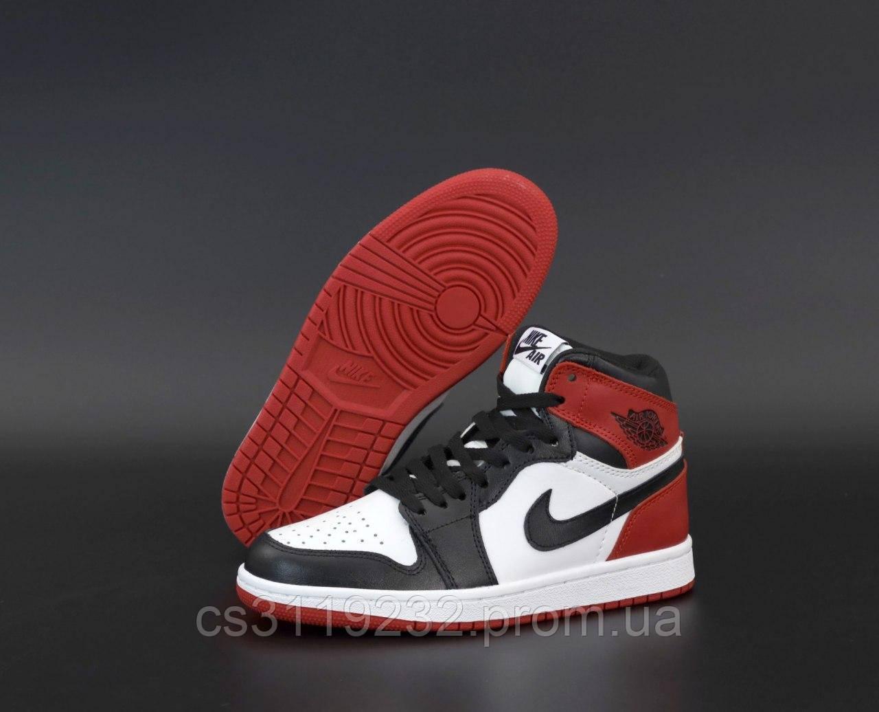 Женские кроссовки Air Jordan 1 Retro (белый/красный/черный)