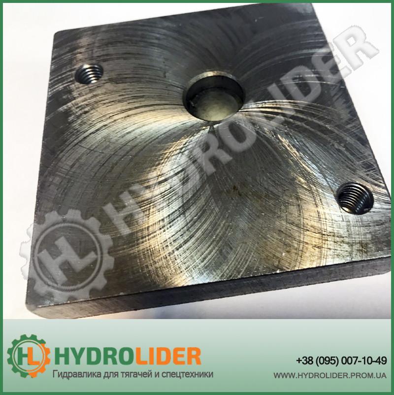 Плита металическая под гидрораспределитель на гидробак