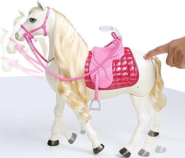 Интерактивная лошадка мечты Барби