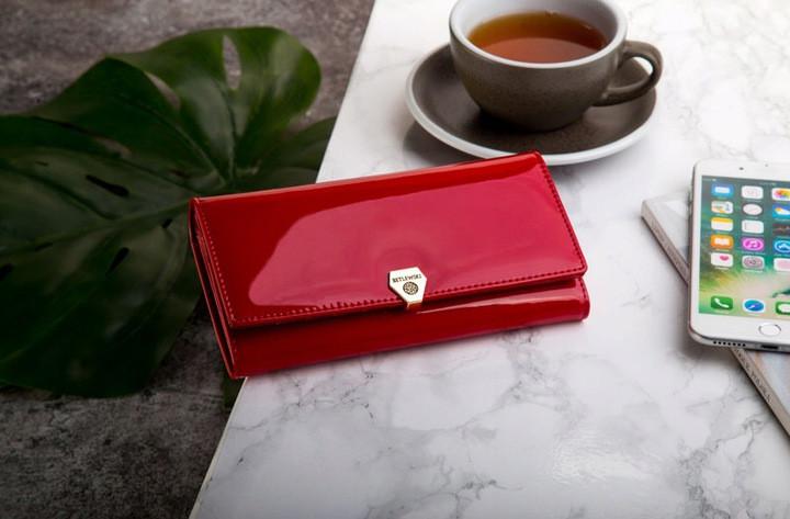 Жіночий шкіряний гаманець Betlewski з RFID 18,5 х 9,5 х 3,5 (BPD-VS-100) - червоний