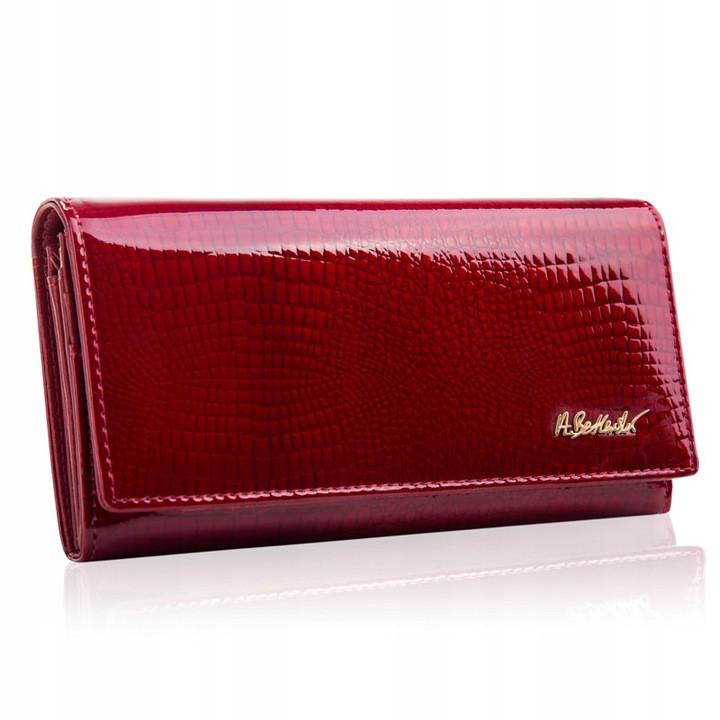 Жіночий шкіряний гаманець Betlewski з RFID 18,5 х 9,5 х 3,5 (BPD-CR-100) - червоний