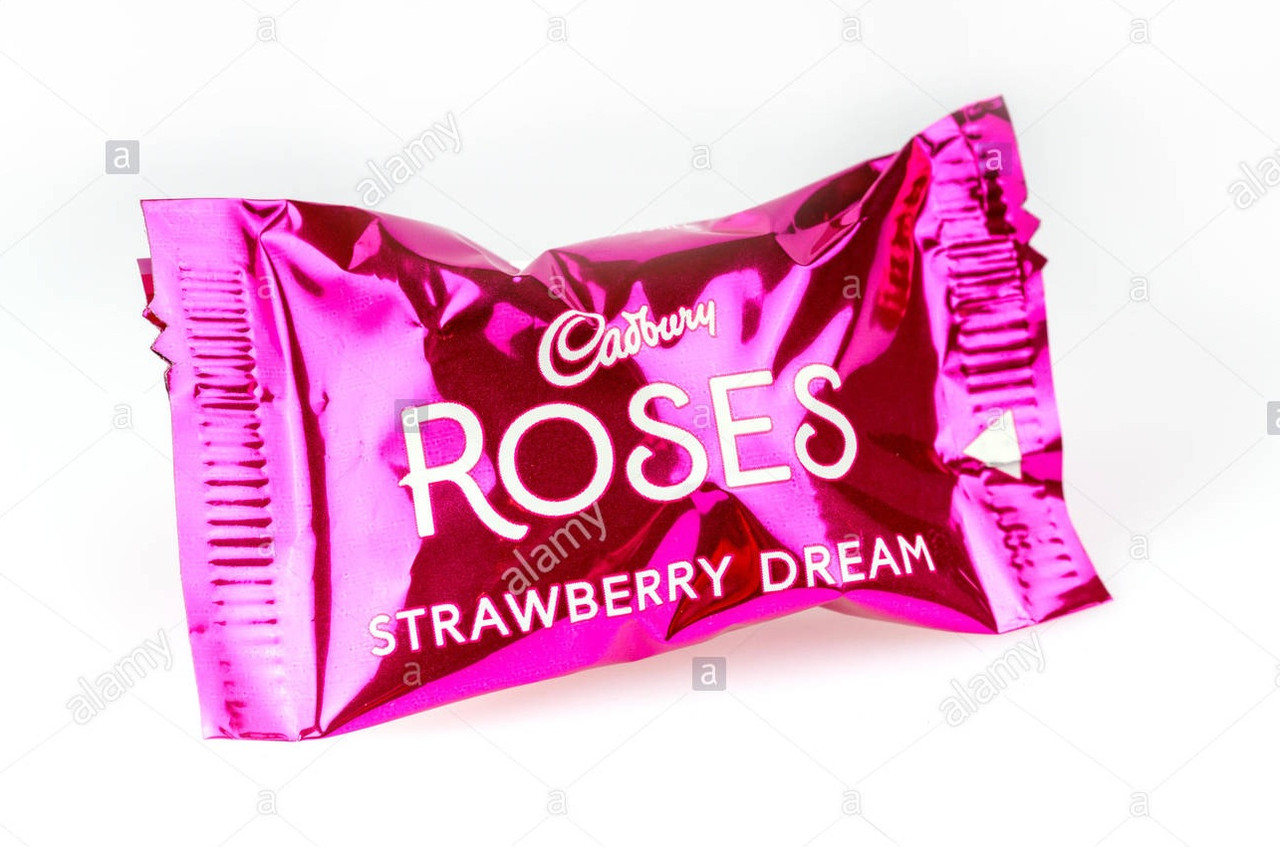 Конфеты Cadbury Roses Strawberry Dream