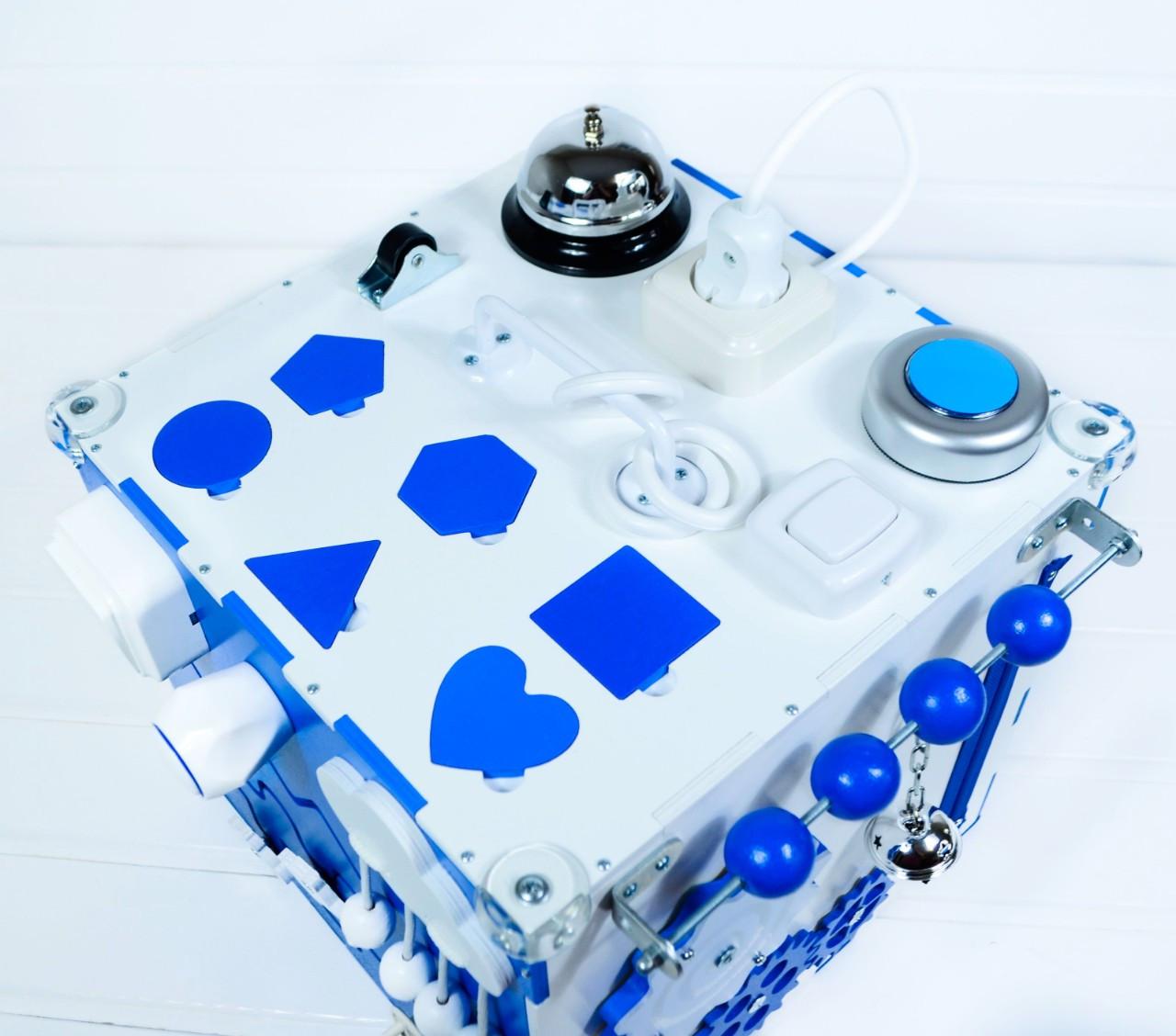 Развивающая игрушка бизикуб  Busy Cube Tornado Бело-синяя