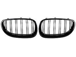 BMW 5 E60 / E61 03-10 решетка между фарами (ноздри) левая + правая комплект. BLACK GLOSSY DOUBLE BAR, арт.