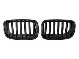 BMW X5 E70 06-09 решетка между фарами (ноздри) левый + правый комплект. ЧЕРНЫЙ МАТОВЫЙ, арт. DA-9157